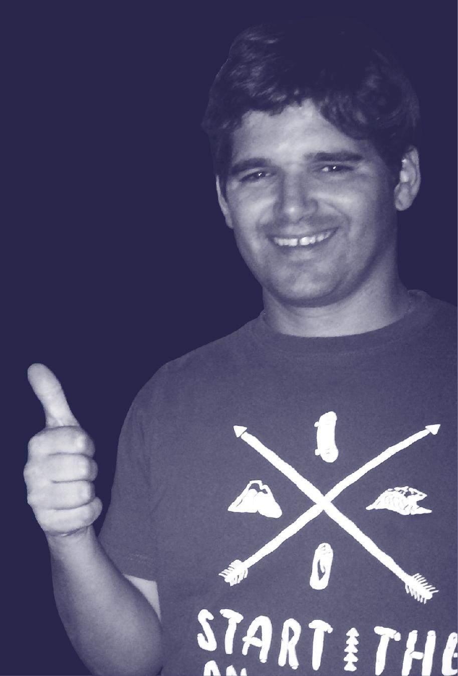 Pieza_Ignacio_Echeverria_Azul-Derecha